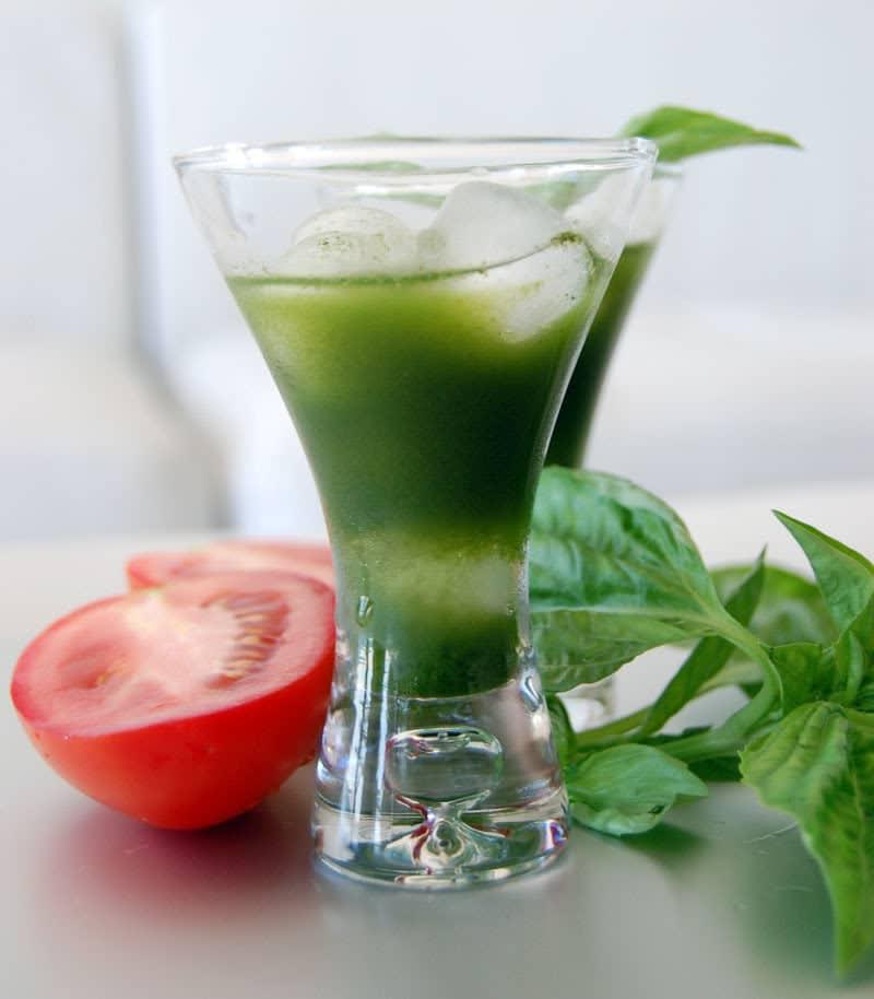 green-juice-cucumber-tomato-basil-kale
