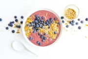 Green Smoothie Bowl with Blueberries and Acai