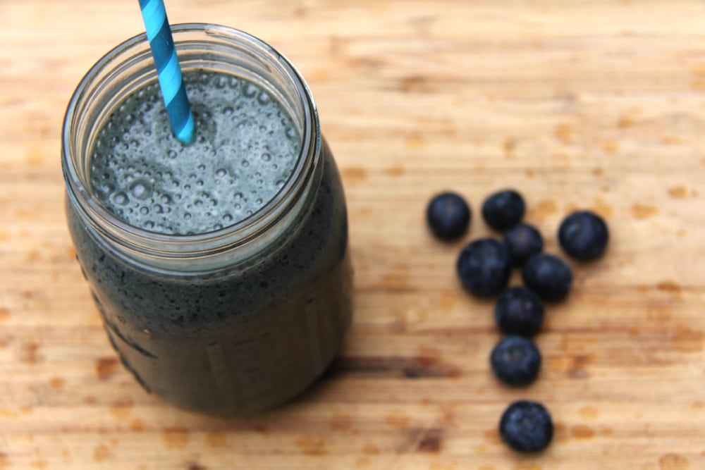 11 Green Smoothie Recipes - Blue Greens