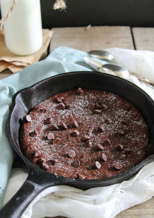 Fudgy Paleo Skillet Brownie via Running to the Kitchen