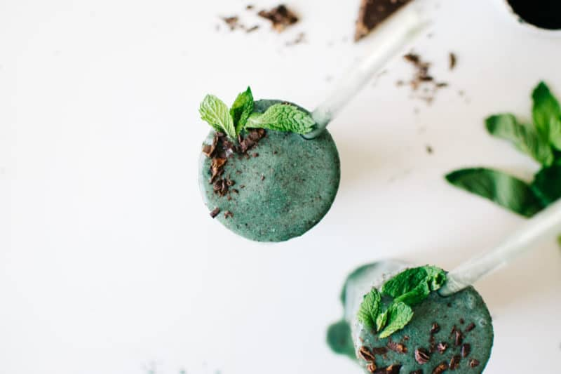 Vegan Mint Chip Smoothie via Kale and Caramel
